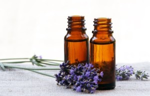 Lavender-Essential-Oil-Uses-for-725x463